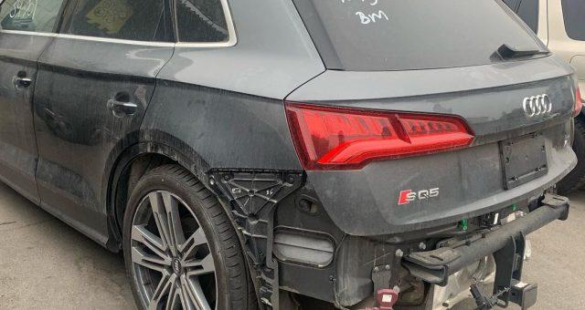 Audi SQ5 після кузовного ремонту